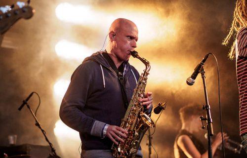 saxofonist-huren-feest-bruiloft